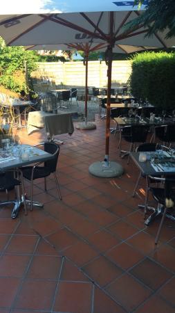 Ambiance Cosi Et Belle Terrasse Au Calme Picture Of A Cote De Chez Clement Genval Tripadvisor