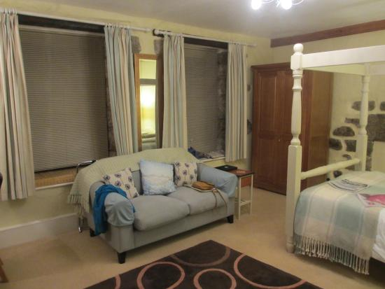 """Mayon Farmhouse: Bedroom """"Cove View"""""""
