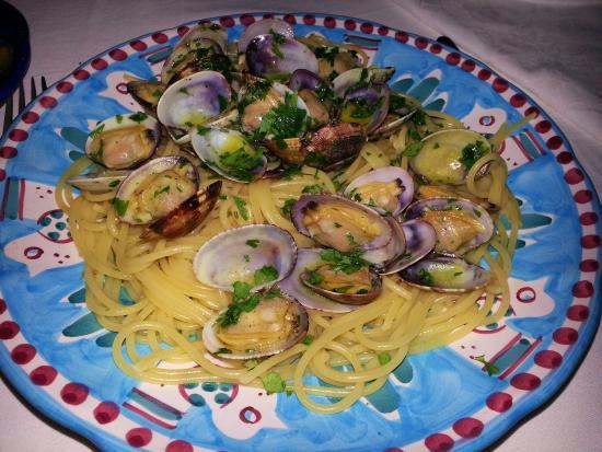Al Barilotto Del Nonno : Spaghetti alle vongole