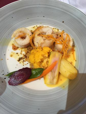 Taurinya, Francia: Filet de merlan sauce a l'orange et graines de moutarde