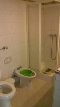 Interni: bagno - Picture of Apartamentos Vivenda Veiguinha ...