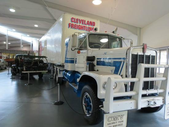 Old School Tow Trucks Picture Of National Motor Museum