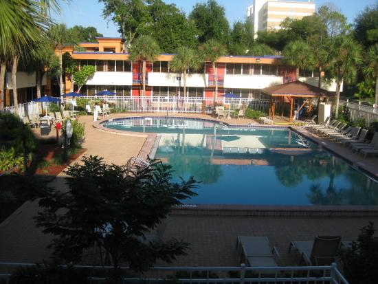 Banheiro picture of red lion hotel orlando kissimmee for Pool show orlando 2015