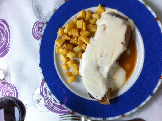 Taranes, Spanien: Entrecortada con Salsa de los Beyos