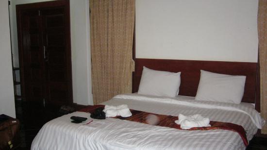 Baan E-Tu Waterfall Resort : chambre