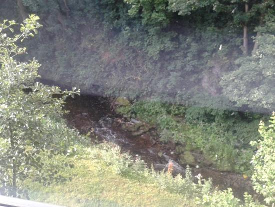 Travelodge Glossop: View of Glossop Brook from window