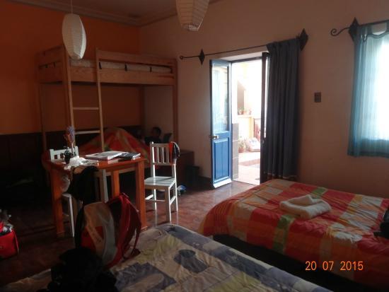 La Dolce Vita: La chambre autour du patio central