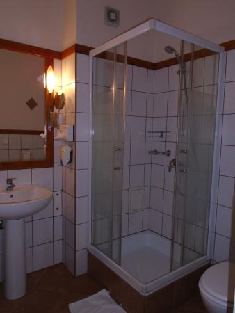 Hotel Korona: Bathroom
