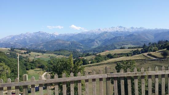 Balcon del Marques: Vistas de Picos de Europa desde Balcón del Marqués