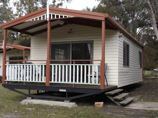 Halls Gap Gardens Caravan Park: Our unit