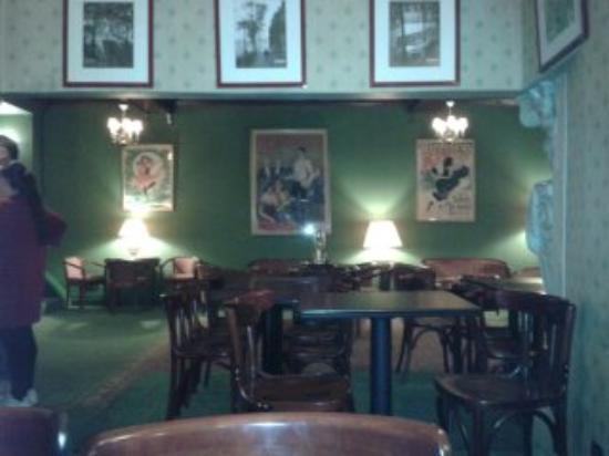 salon de l\'hotel qui est un vestige de l\'ancien cabaret Don ...