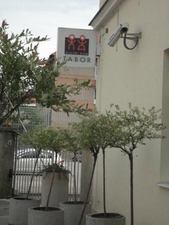 Hostel Tabor - Dijaski dom Tabor: Tabor Hostel