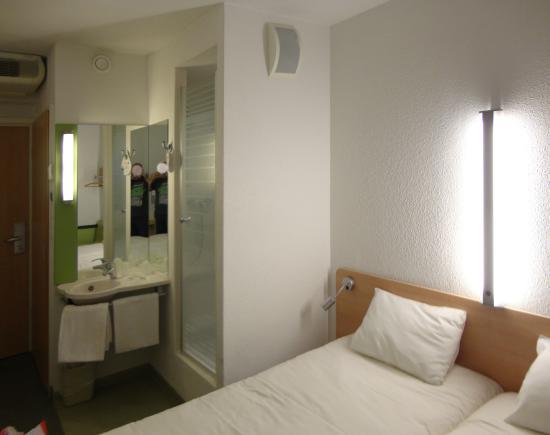 łazienka W Pokoju Picture Of Ibis Budget Katowice Centrum