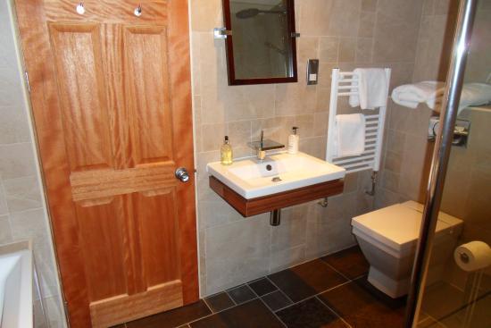 salle de bain avec douche xxl et baignoire picture of