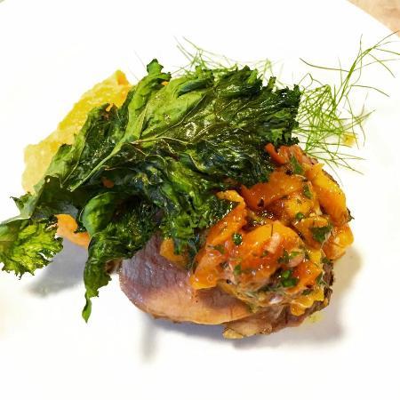Chestnut St Inn: Pork tenderloin with Peach Chutney