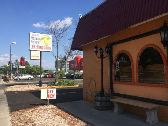 El Tapatio: Exterior- faces righ onto one of the main streets