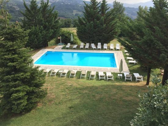Villa di Carlo Spa&Resort : Il panorama è della sala da pranzo, i 2 piatti fanno parte del menù degustazione che si ha in pe