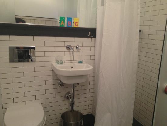 Bathroom foto di pod 39 hotel new york city tripadvisor for Bathroom e pod mara