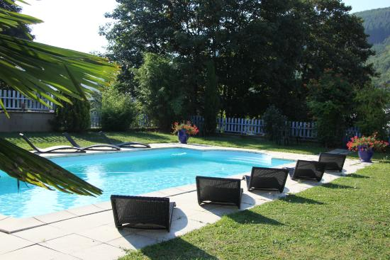 La piscine photo de hotel burnichon tarare tripadvisor for Piscine de tarare