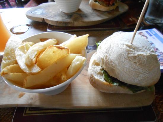 Renishaw, UK: 6oz ground steak burger with chips