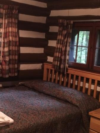 Watoga State Park: Bedroom in a cabin for 3
