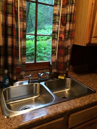 Watoga State Park: Cabin kitchen