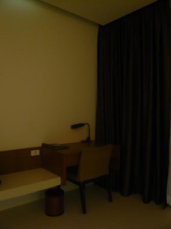 G Hua Hin Resort & Mall: Working desk