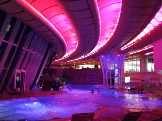 Panoramica piscina interna foto di aquardens le terme - Piscina g conti verona ...