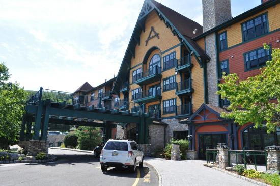 Mountain Creek The Alachian Black Sanctuary Hotel Main Entrance