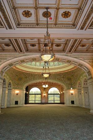 Chicago Cultural Center : 1st floor