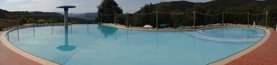 Riparbella, Italy: Piscina 1