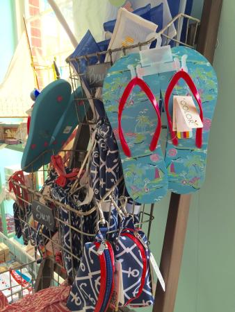 Lots of nice quality gifts and Hostess presents! - Picture