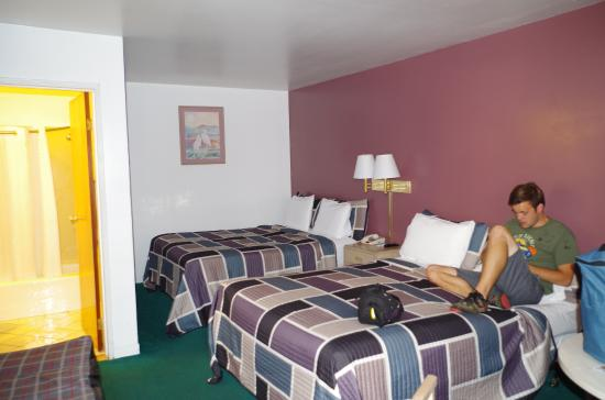 Rodeway Inn Civic Center: Clean and a decent bed