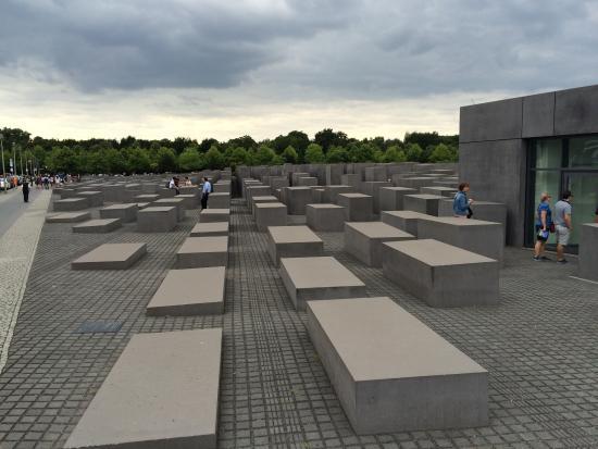 Cool Tourings: Holocaust Mahnmal