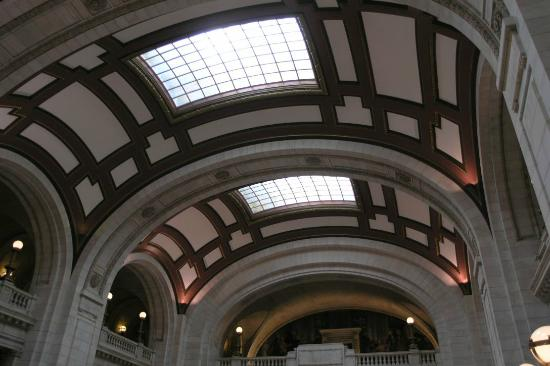 Vaulted Ceiling In Atrium Picture Of Cuyahoga County Courthouse
