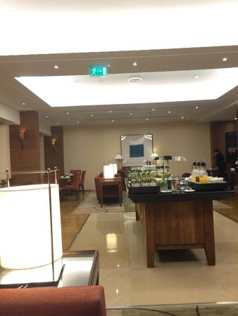 Corinthia executive lounge