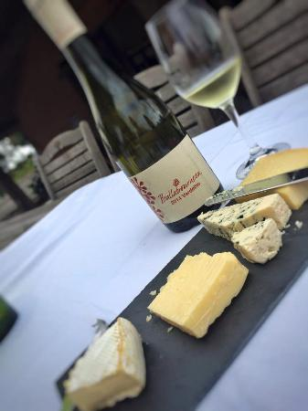 Ballabourneen Wine Co. : Ballabourneen Cheese Platter