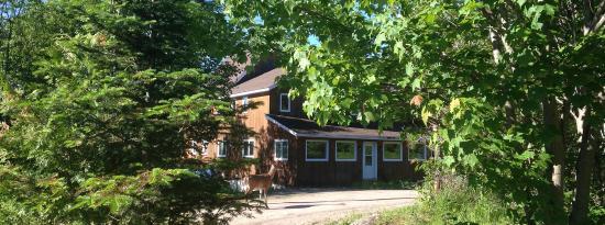 Warbler's Roost Country Inn