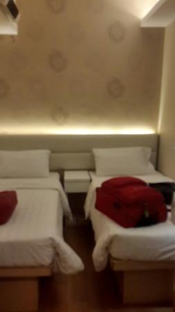 Bridal Tea House Hotel (Western District): Kamarnya kecil tapi sangat bersih...cocok buat tidur setelah perjalanan jauh krn kita lebih seri