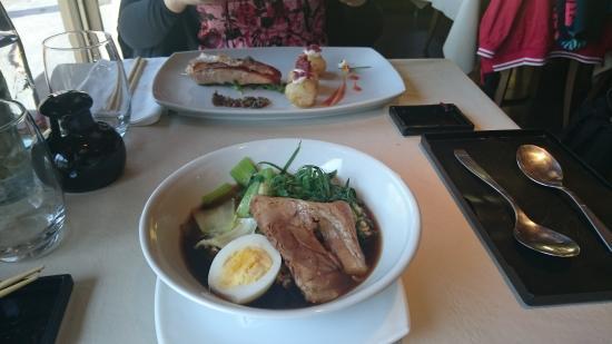 Foto de restaurant jardin japones buenos aires ramen con for Resto jardin japones