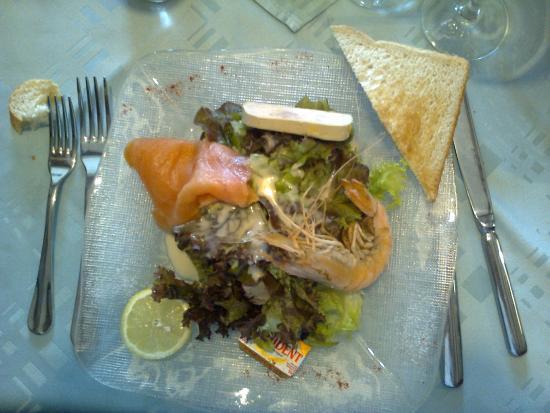 Palais Gourmand : Entrée Salade Saumon Gambas Foie Gras