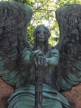 Lake View Cemetery Photo