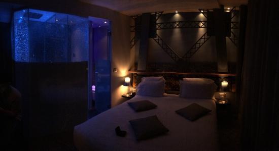Chambre Tour Eiffel Picture Of Hotel Design Secret De Paris Paris