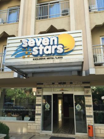 Seven Stars Exclusive Hotel : Frente del hotel