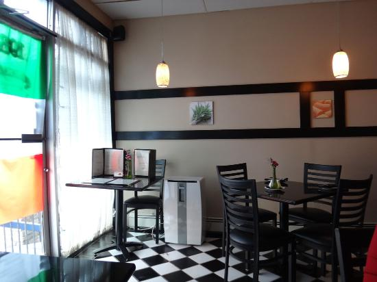 Buono Mangia: indoor seating
