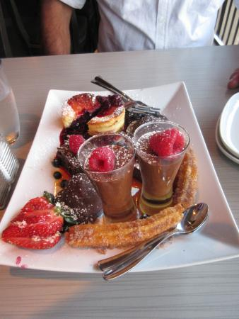 25 West Tap & Tapas : Yummy dessert !