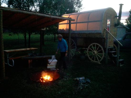 Wonderland RV Park: Evening at camp