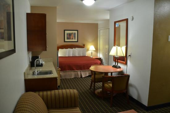 Howard Johnson Inn & Suites St. George