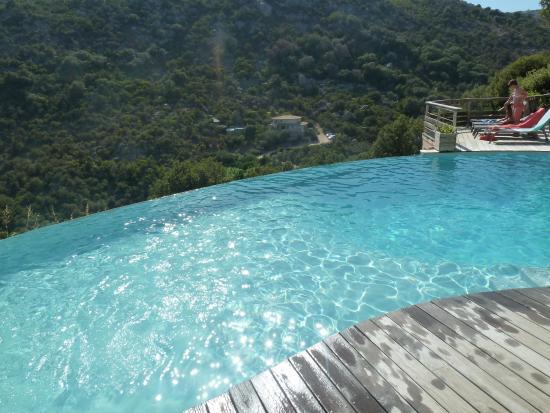 Les Terrasses de Scalegiu: piscine