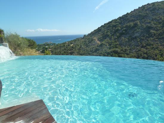 Les Terrasses de Scalegiu: piscine à débordement avec vue sur mer
